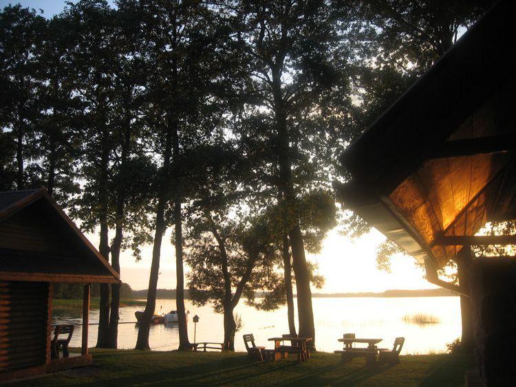 Гостевая усадьба на берегу озера Лушяй
