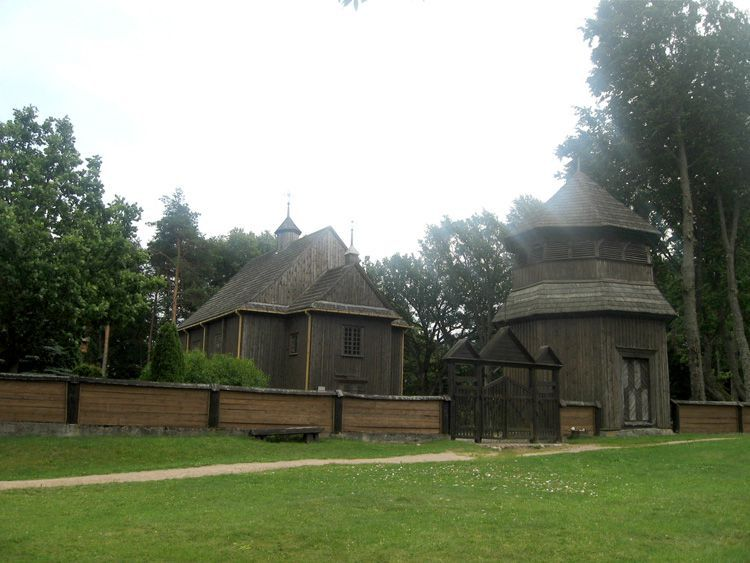 Деревянный костел в Палуше – один из самых старинных в Литве
