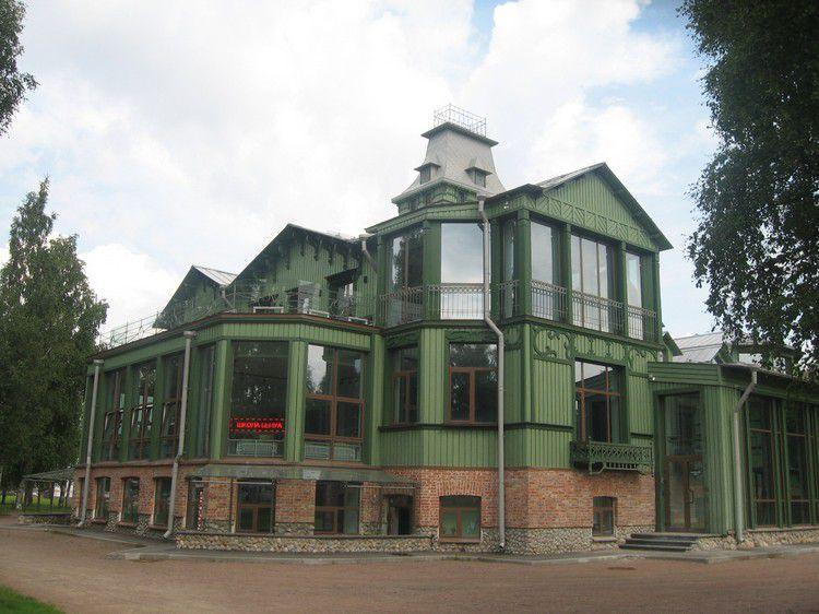 Современный облик восстановленной дачи Бенуа