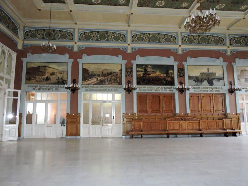 Картинный зал (бывший зал ожидания для пассажиров 1-го и 2-го классов)