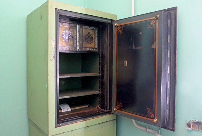 Сейф «шуваловских» времен, обнаруженный во ВНИИТВЧ. Фото предоставил музей ВНИИТВЧ.