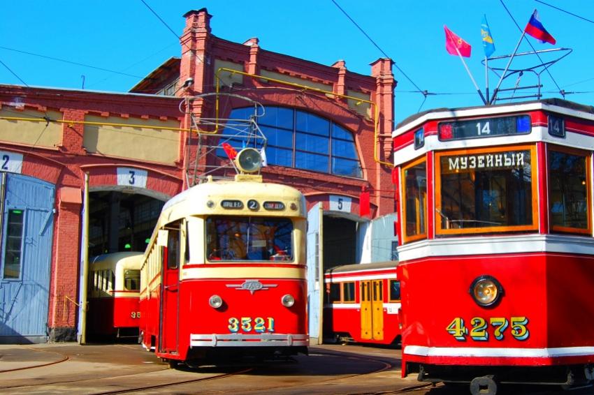 Старинный трамвай будет курсировать по центру Петербурга