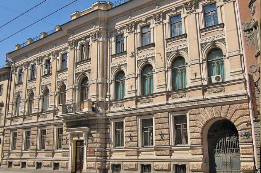 Об истории домов 4 и 6 по Кирочной улице