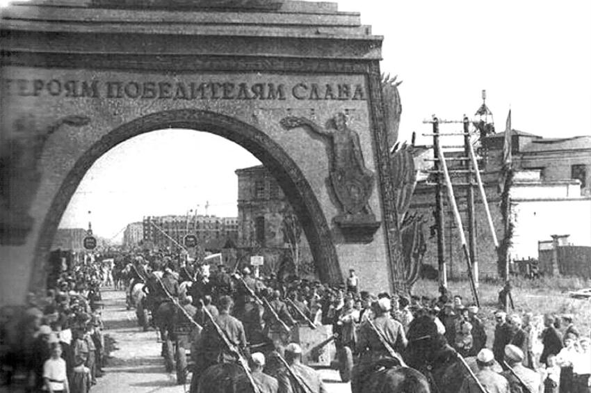 Новые книги о Петербурге — отчёт о Дне краеведческой книги
