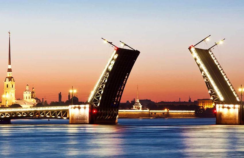 Символы Петербурга: белые ночи и разводные мосты