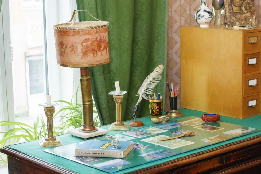 Афиша музея Анны Ахматовой в Фонтанном Доме
