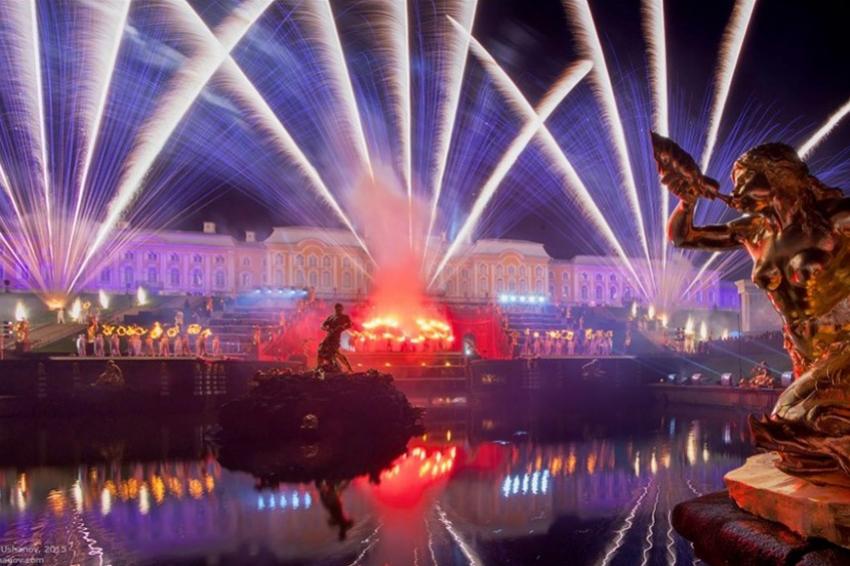 Праздник закрытия фонтанов пройдет 21 и 22 сентября в Петергофе